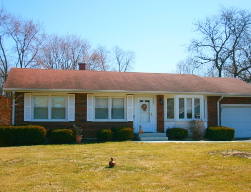 Commuters Delight!  Price Dropped! 3 BR/1 BA Ranch in Aurora, IL